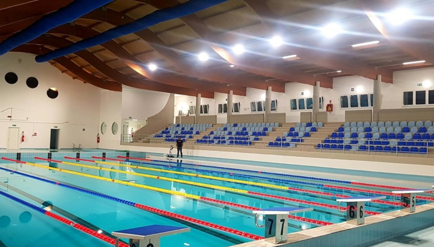 Apre la piscina di Racale (LE)