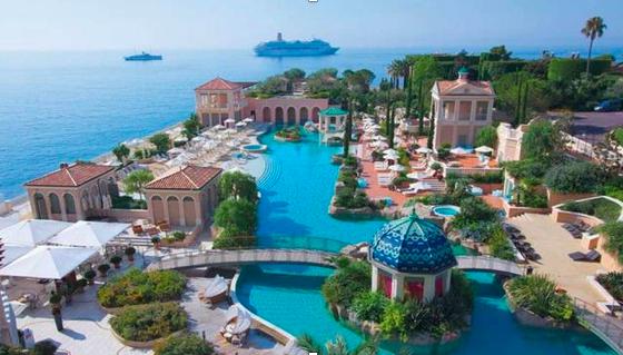 La piscina più bella d'Europa? A Montecarlo