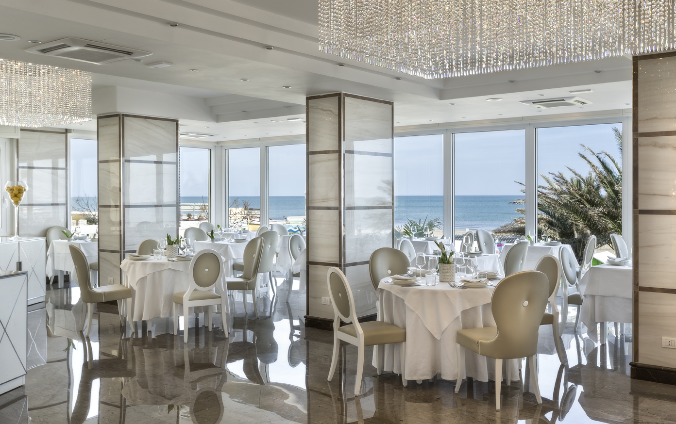 Maximilian's Hotels per un meraviglioso soggiorno a Riccione