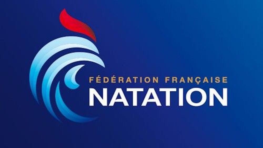 Firma di una partnership tra Federazione francese di nuoto e Papillon