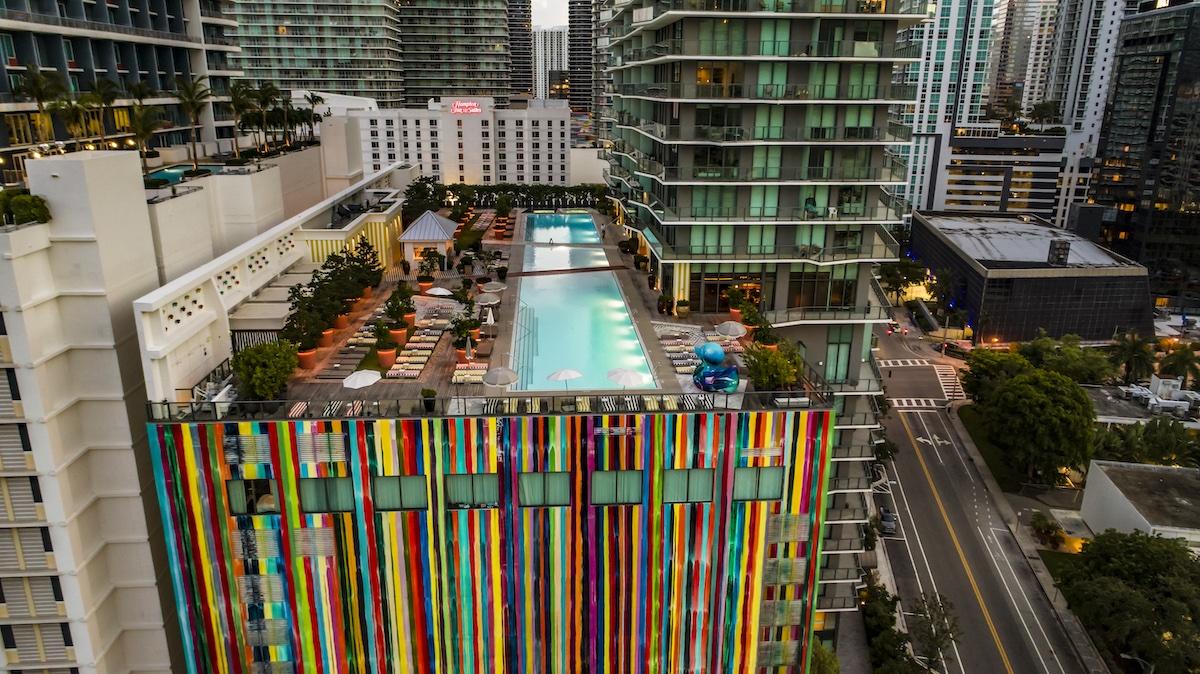 Myrtha Pools premiata dall'Architecture Master Prize per il progetto delle piscine dell'SLS Brickell Hotel & Residences Miami