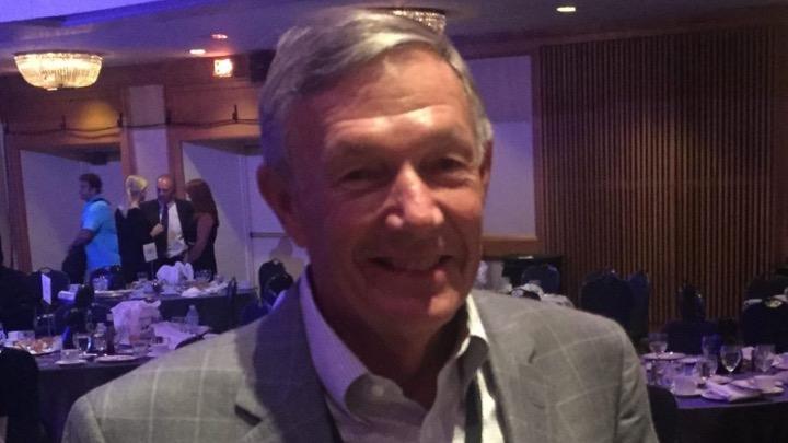 Mark Schubert contatta il suo ex atleta Klete Keller e riflette sul ruolo dell'allenatore