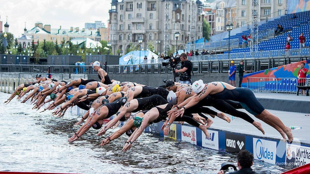 Ritornare in acqua: sport come fondamento della ripresa sociale, sanitaria e psicologica