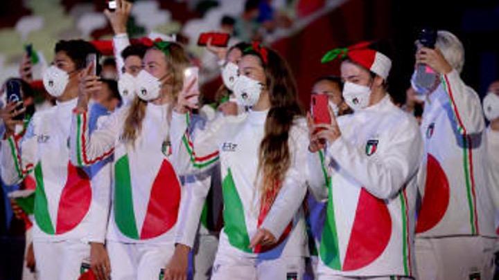 Otto azzurri del nuoto alla Cerimonia di apertura dei Giochi olimpici
